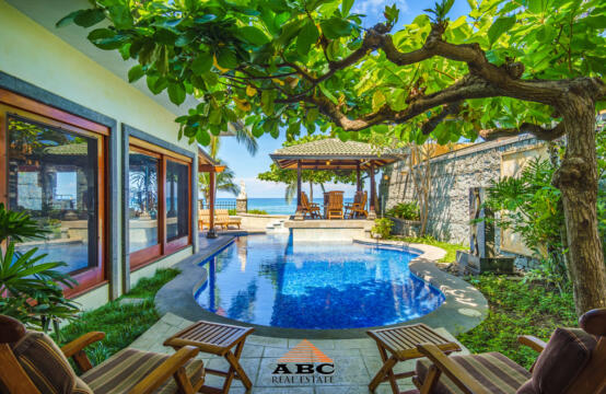 Casa Arrecife – Beachfront jewel at Playa Langosta