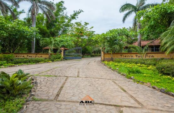 Lote Tierra Pacifica #55 – Tropical Lot in Gated Community near Playa Junquillal