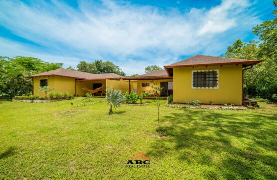 Residential Home with Rental Income in Tamarindo - Duplex