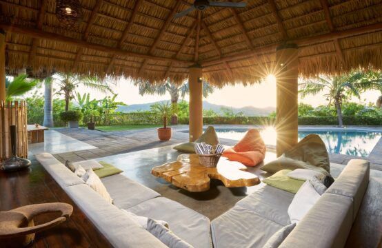 Villa Kanda – An exquisite luxury home nestled in the hills just outside of Tamarindo