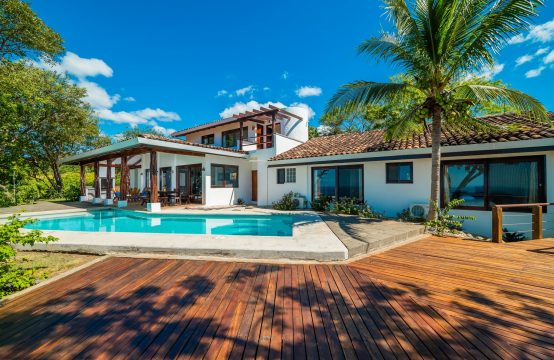 Ocean view home in Tamarindo
