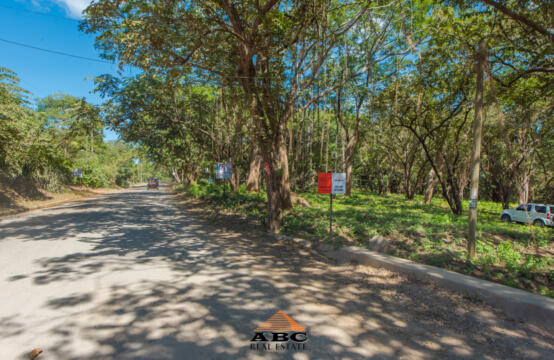 Lote Oso – Lot with road frontage in Tamarindo/Langosta